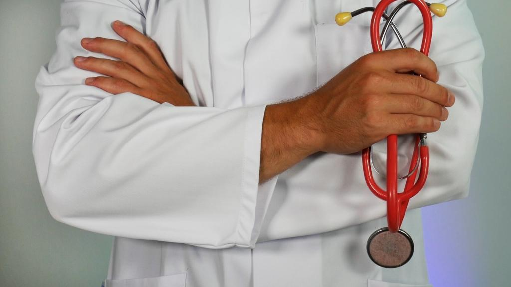 zdjęcie lekarza ze stetoskopem